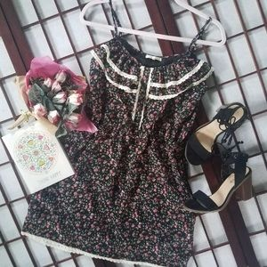 LA MADE Floral dress size M